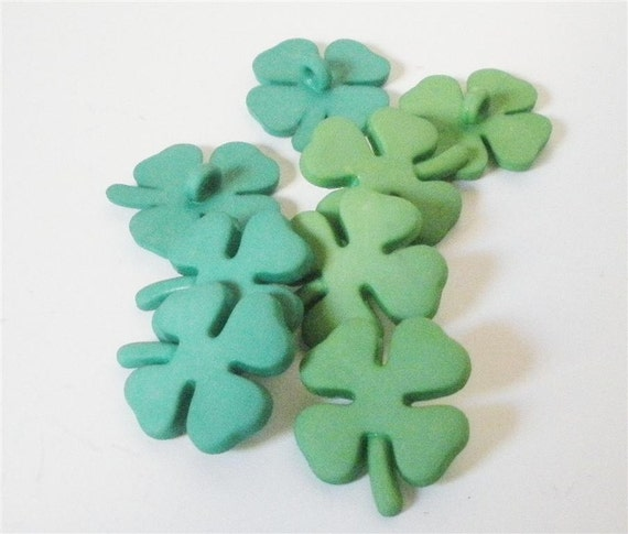 Shamrock Buttons by Buttons Galore