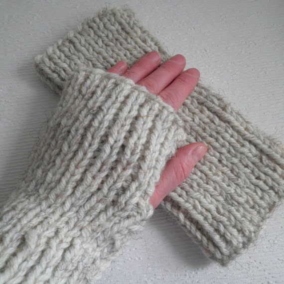 KNITTING PATTERN/DARA Chunky Ribbed Fingerless Gloves/Knit Straight/ Easy Fin...