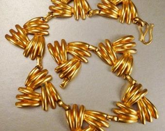 stunning JEWELRY Necklace GOLDTONE  Metal  Herringbone  leaves 16 in by  app  2 in WEDDING