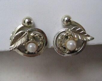 Gold Leaf Pearl Earrings Clip Vintage