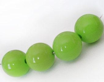 14mm Apple Green acrylic round beads - 6pcs