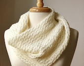 Infinity Scarf KNITTING PATTERN. Circular scarf snood. Bridget Cowl. PDF Electronic Delivery. Instant Digital Download.