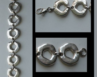 Bracelet, silver or silverplated, vintage 1970s, large circle links, shaped metalwork i438 Life's an Expedition