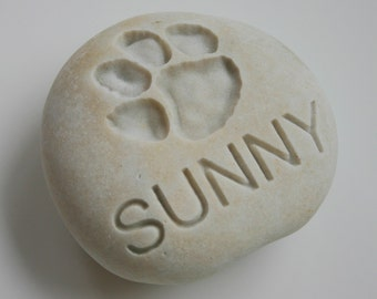 Custom Engraved Pet Memorial White Stone Dog Cat Pet Loss Paw Print Personalized Grave Stone Marker