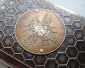 Busy Bee Honeycomb Etched Wallet / Cigarette Case