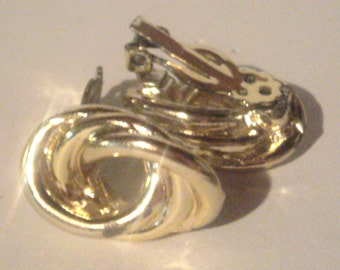 Vintage Clip On Earrings - Gold Tone Knot Earrings - Twist Earrings - Clip Ons - Small Knot Earrings
