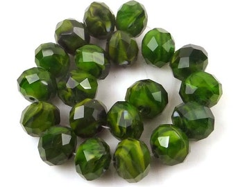 10x8mm Czech glass Faceted Rondelle Beads - Forest Green Swirl  (20 pc) (e6553)