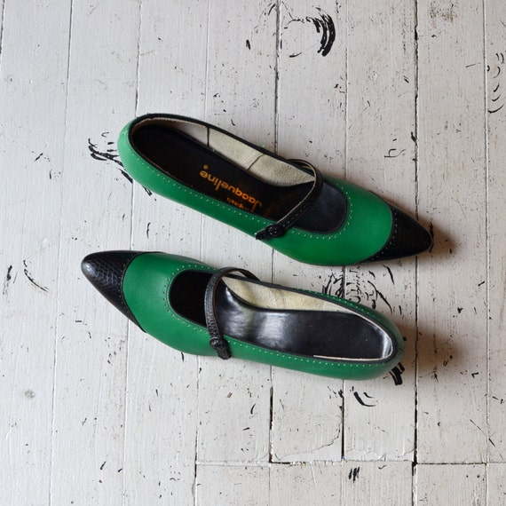 1960s shoes / 60s mary janes / Kelly Spectators 6-6.5