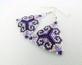 Peyote Earrings / Peyote Triangle Earrings / Beaded Earrings in Purple and Violet /  Sterling Silver Earrings / Seed Bead Earrings /