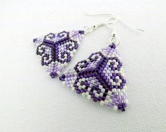 Peyote Earrings / Peyote Triangle Earrings / Beaded Earrings in Purple and Violet /  Sterling Silver Earrings / Seed Bead Earrings /