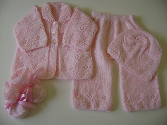 Hand Knit Baby Set Newborn to 3 Months Antiallergic Yarn