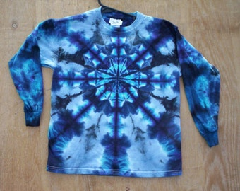 Beautiful Blues Tie Dye Long Sleeve Size Medium