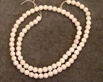Full Strand of 5 mm White Onyx Gemstones (336)