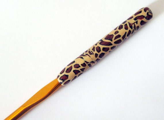 New Hand Made polymer clay Covered Aluminum Crochet Hook-size 6.5 mm by myfiori