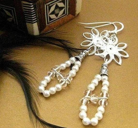 Pearl Earrings. Great Gatsby Jewelry.  Long 20s style. Summer Bloom