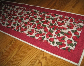 Quilted Table Runner in Strawberries