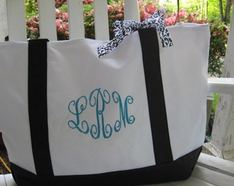 Personalized zippered beach boat tote bag - choice of black or white and black