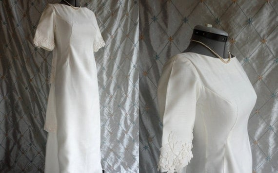 Wedding Dress //  Vintage 1960s White Linen Wedding Dress with Lace by Emma Domb California Size M