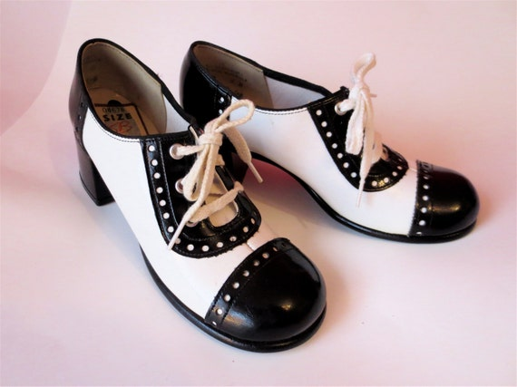 Vintage Black And White Saddle Shoe Lace By
