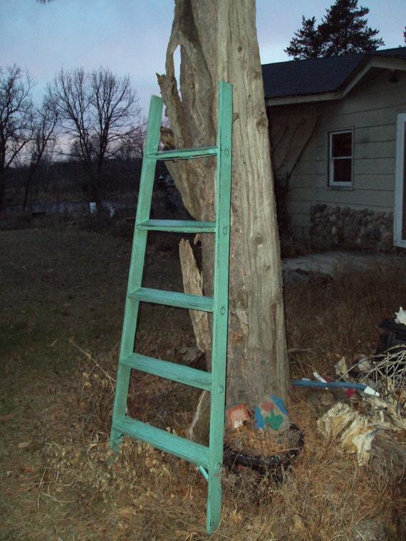 Throw Pillow Display Rack : Quilt Blanket Display Ladder Rack Shelf Trellis Antique