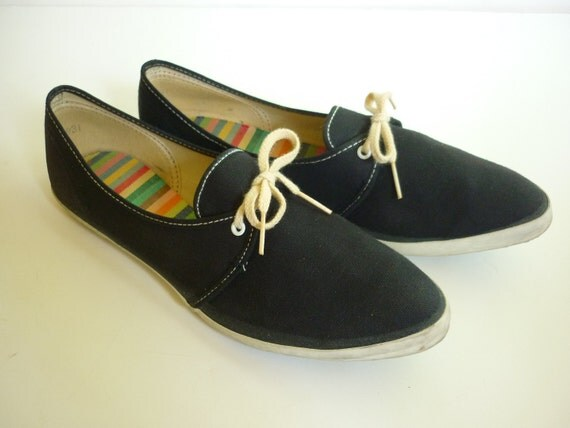50s 60s tennis shoes sneakers black canvas pointy toe sz 8 5