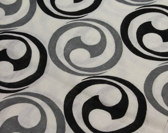 vintage 1960s black & gray psychedelic tribal mid century MOD hand printed fabric linen cotton cloth 3 yards