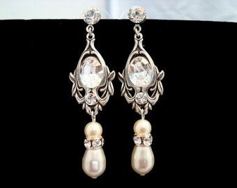 Crystal bridal earrings, Pearl Wedding earrings, wedding jewelry, antique silver earrings, Vintage style earrings, Swarovski earrings