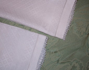 Pair of White Linen Damask Vintage Guest Towels with Tatting