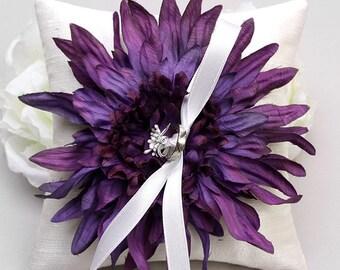 Purple ring pillow, violet ring bearer, ring pillow wedding, ring holder - Eveyln