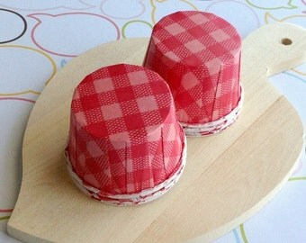50 Red Gingham Baking Cups