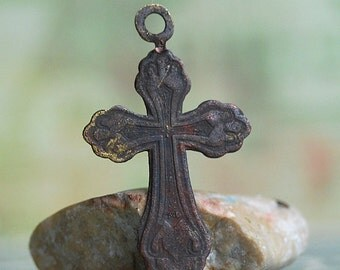 vintage cross... JEWELRY...  x160