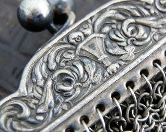 STUNNING vintage chain mail handbag or purse...      Mar 04FL