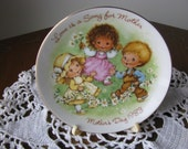 "Vintage 1983 Avon Mother's Day Plate ""Love Is A Song For Mother"" Mint Cond"
