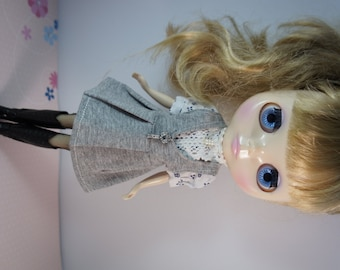BLYTHE OR PULLIP - Grey 2 way Halter or Jumper Skirt with Bling Bling Key Accessories