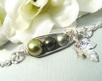 Three Peas In A Pod Personalized Bracelet Choose Your Metal Color And Pearls