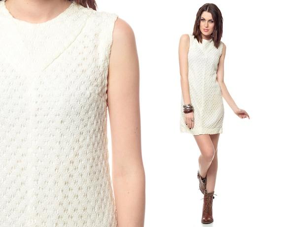 Mod Mini Dress Cream Crochet Pointelle Knit Shift Space Age 60s 70s Vintage 1960s Lace Simple Sixties Sleeveless MiniDress Small S