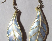 Vintage Shell Leaf Shaped Dangle Earrings 80's Blue and White