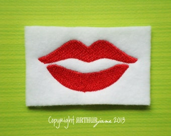 Kissing Lips, INSTANT DIGITAL DOWNLOAD, Lips Embroidery Design for Machine Embroidery 2x1