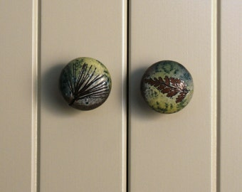 Ceramic Cabinet Door Knob Drawer Pull with Fern Impression in Green Leaf Glaze Rustic cabin Forest botanical