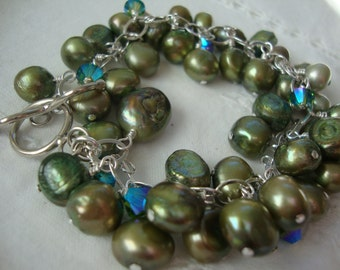 FREE SHIPPING Sterling Silver Clustered Green Pearl Bracelet