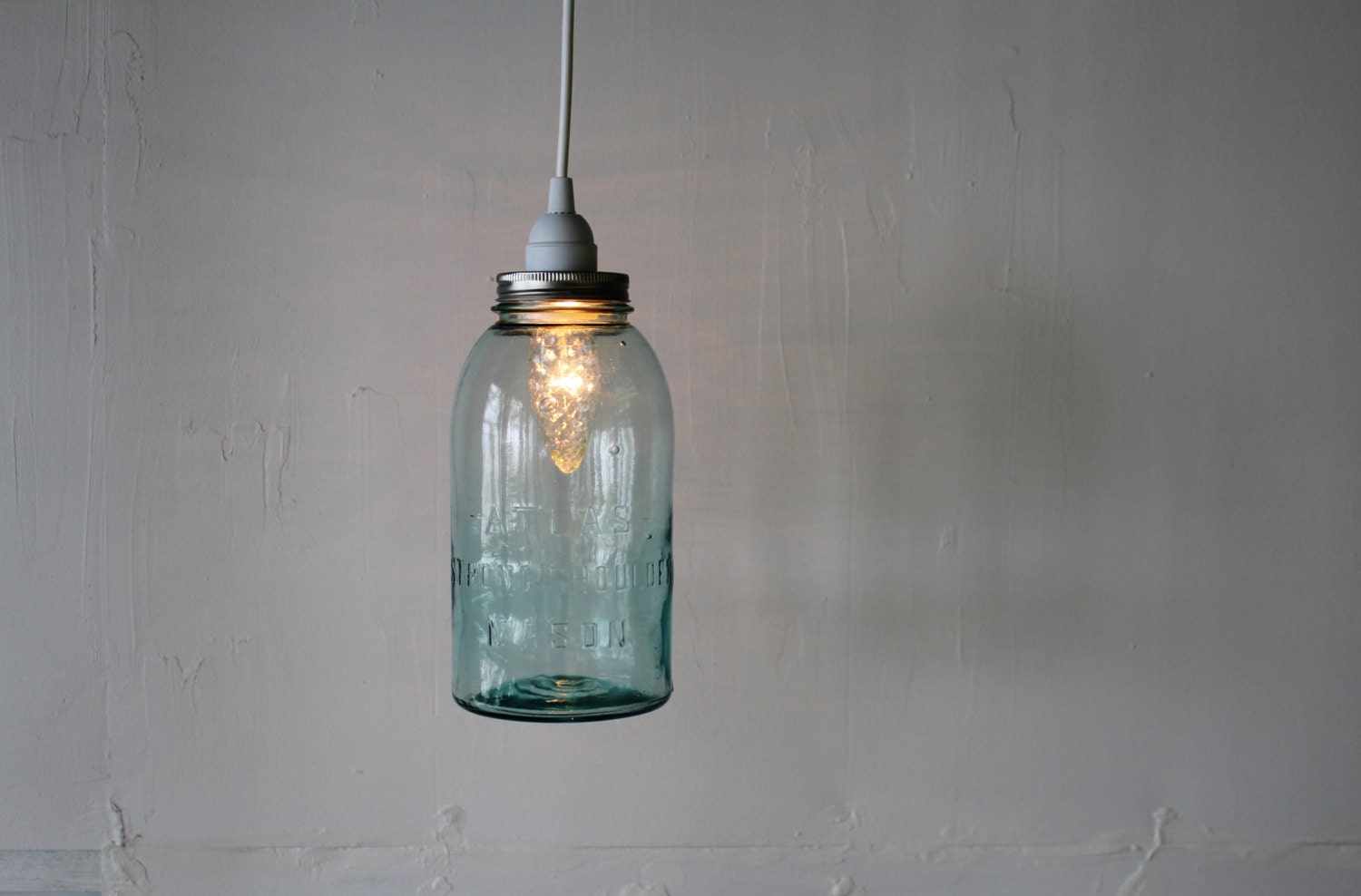 Mason jar pendant light hanging pendant lamp featuring a for Hanging lights made from mason jars