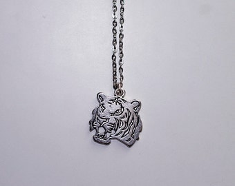 Tiger necklace - charm necklace - 46 cm