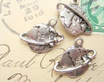 8 Metal globe charms antique silver world pendants 18mm x 18mm x 2mm  A14-SR5-5