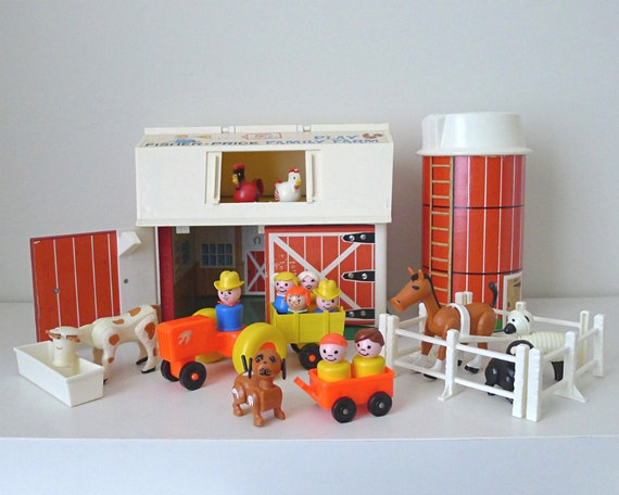 Vintage Fisher Price Farm / Barn and Silo 1960s for kids