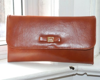 Vintage 70s - Tiny Buckle & Bow - Brown Faux Leather Clutch Purse