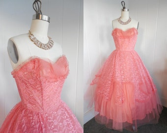 1950s Vintage Coral Pink Lace and Tulle Prom Dress with Shelf Bust VLV