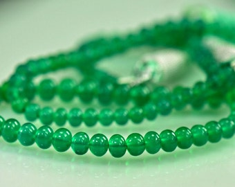 Green Onyx Smooth  Beads AAA  Onyx Beads 8 inches