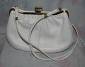 Vintage La Belle Montreal Purse Handbag in White - Immaculate - Shoulder Strap - Great Shape - Bright White Bag