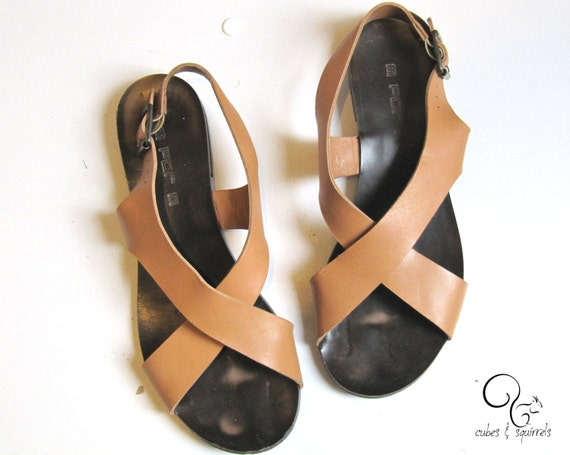 Chic & simple sandals - 1970 by cubesandsquirrels