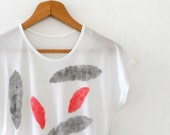 Black Red Feathers Women Tshirt , Hand Stamped  Short  Sleeve Top, Loose Fit White Tee  Size S,M,L - ShebboDesign